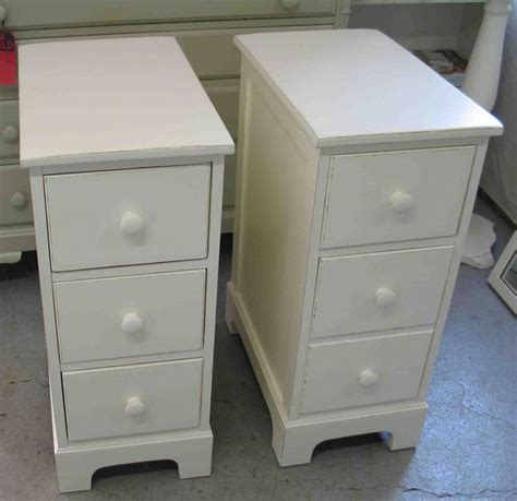 small white bedside table best 25 narrow nightstand ideas on small