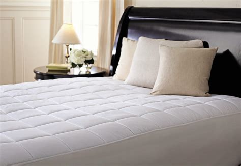Sunbeam Quilted Polyester Heated Mattress Pad by Sunbeam Quilted Polyester Heated Mattress Pad