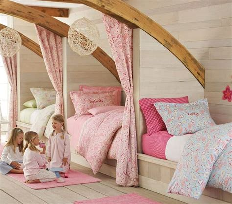 bedroom with 3 beds 25 best ideas about triplets bedroom on 3