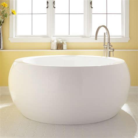 how big is a standard bathtub soaking tub dimensions 100 bathtub dimensions bathtubs