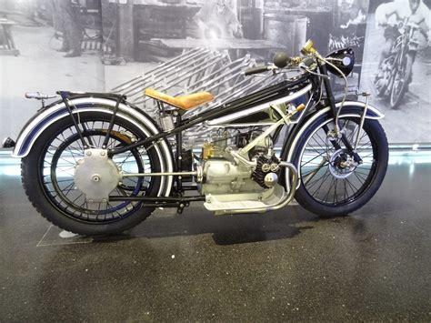 Motorrad Museum M Nchen by Bmw Welt In M 252 Nchen Die Reise Mit Dem Motorrad Ans Nordkap