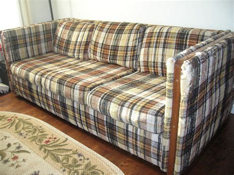 how to get rid of a sofa how do you get rid of an sofa brokeasshome com