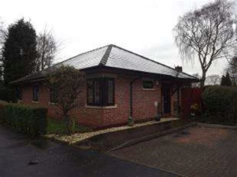 2 bedroom manchester nightingale gardens manchester 2 bedroom bungalow for sale m23