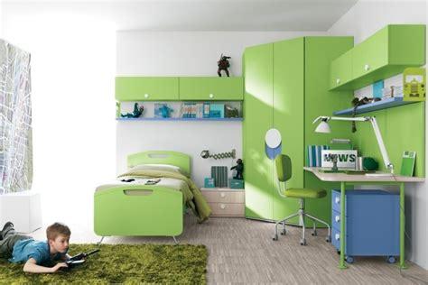 chambre enfant verte armoire chambre verte