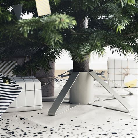christmas tree too small for stand 6 best tree stands of 2014 remodelista