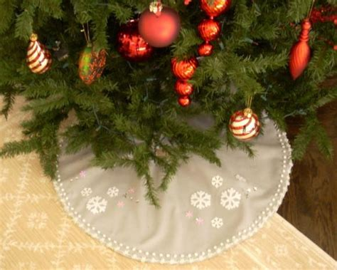 no sew christmas tree skirt hgtv