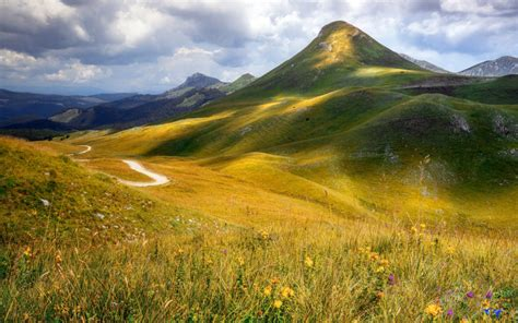zelengora mountain range   sutjeska national park  bosnia  herzegovina mountain hills