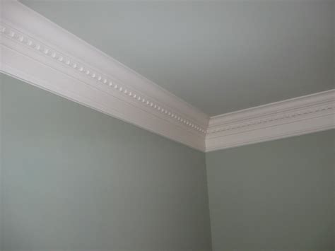 crown molding in bedroom crown molding