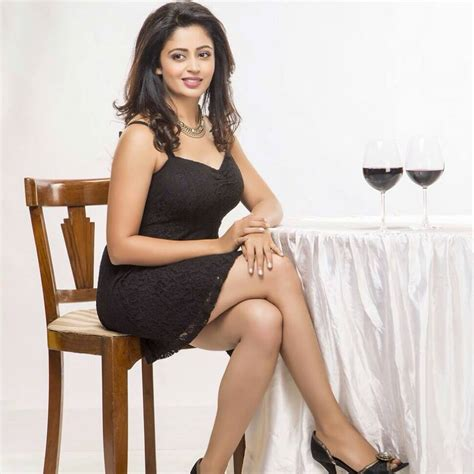 Jns May Real Pict neha pendse and glamorous cafemarathi