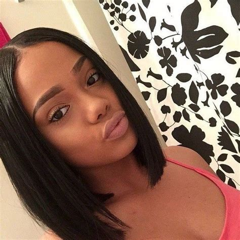 middle part straight bob hairstyles with weave hair 17 meilleures id 233 es 224 propos de middle part bob sur