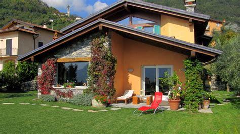 foto di ville con giardino villa indipendente con giardino privato studio