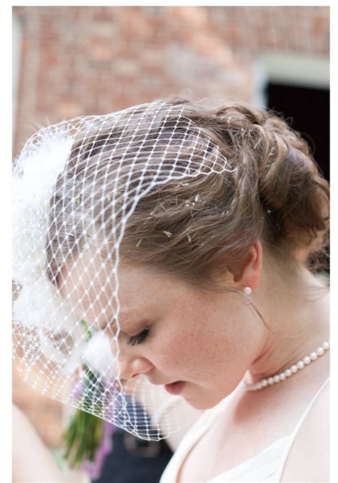 Vintage Wedding Hairstyles With Birdcage Veil by Birdcage Veil Styles For Vintage Brides Sortashion
