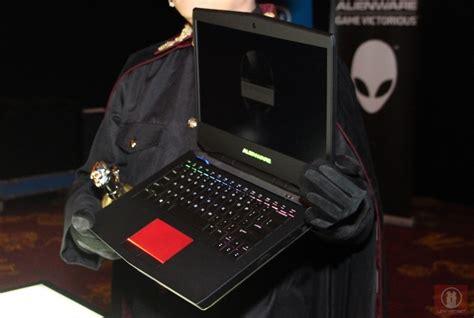 Laptop Alienware Termurah Di Malaysia look alienware 14 gaming laptop lowyat net