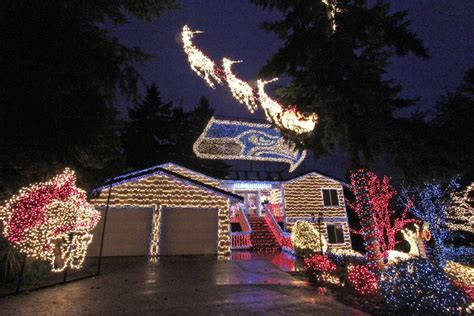 seattle christmas lights neighborhoods hawk house goes seahawks themed light show much for kirkland