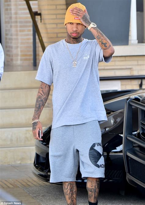 Spotted Shopping And More by Tyga Spotted Shopping With A Pretty That S Not