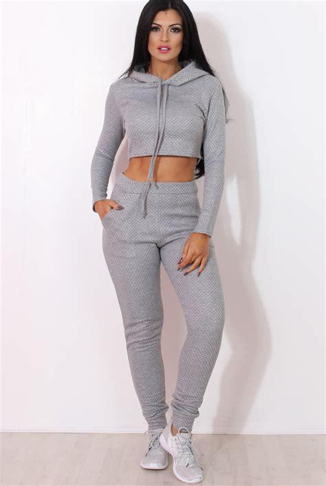 Ladi Set fiona grey ribbed crop loungewear set