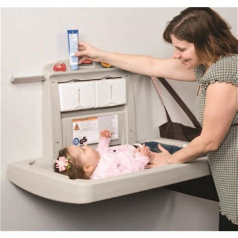 Rubbermaid Changing Table Rubbermaid 7818 88 Horizontal Rubbermaid Changing Table