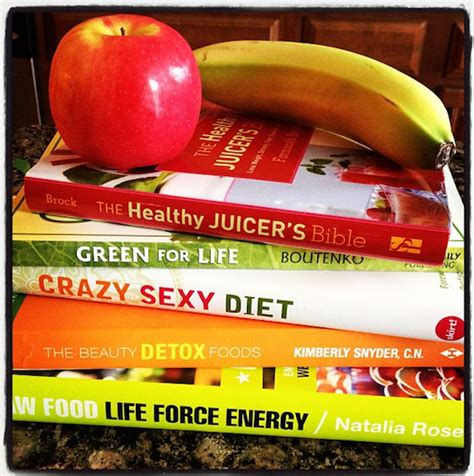 The Detox Foods Book by Eat A Clean And Green Diet Healthy Foods
