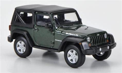 Miniatur Jeep Wrangler Unlimited Skala 64 jeep wrangler rubicon softtop green 2012 greenlight
