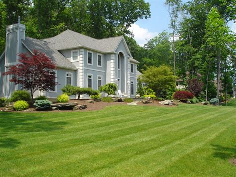 clean of lawn landscape ideas for ranch style homes
