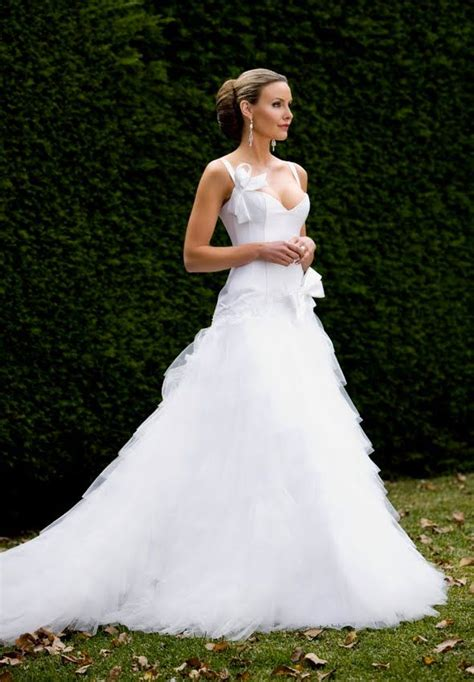 Alex Perry Wedding Gowns by Beautiful Alex Perry Bridal Wedding Ideas