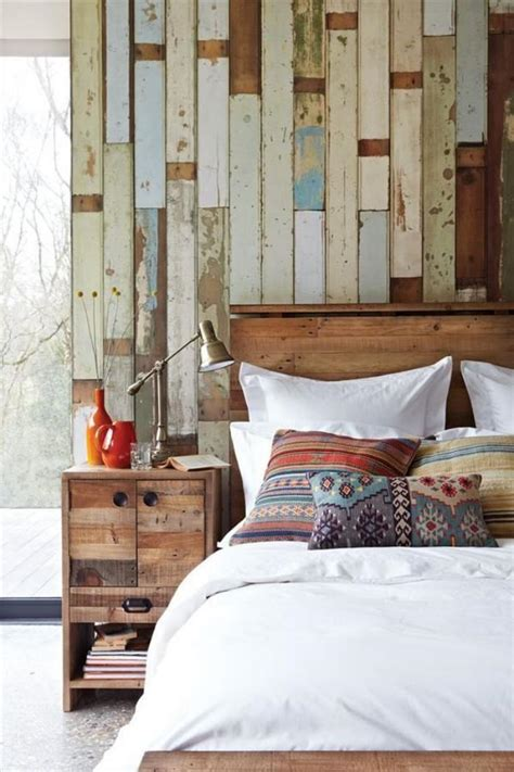 rustic chic bedroom le lambris mural d 233 coratif en 40 photos archzine fr