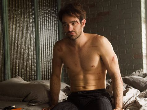charlie day on netflix here s how daredevil star charlie cox got ripped to be a
