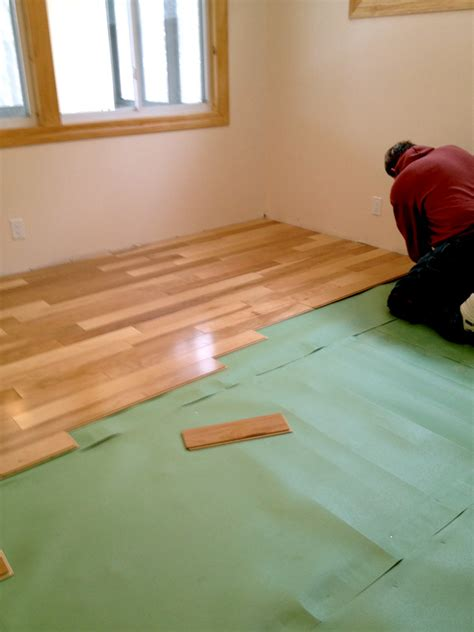 install laminate flooring over vinyl flooring