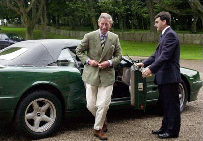 Prince Charles Bentley Prins Charles Aston Martins V 228 Nsterfilen