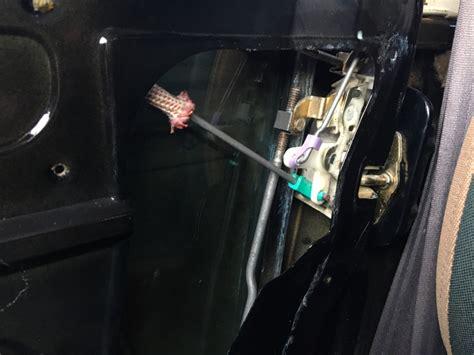 2001 tj wrangler door lock stuck again