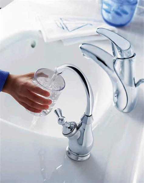 acqua dal rubinetto attenzione a non 171 sporcare 187 l acqua rubinetto
