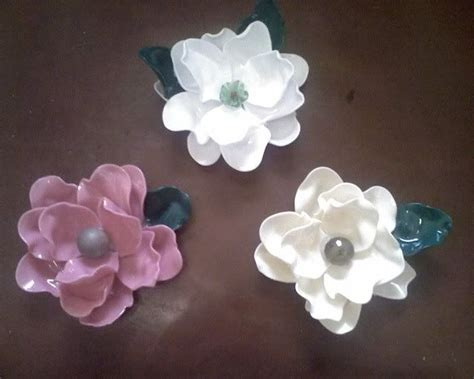plastic spoon roses diy recycled flowers made by melting plastic spoons diy plastic spoons bags and flower