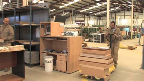 escritorios rusticos de madera