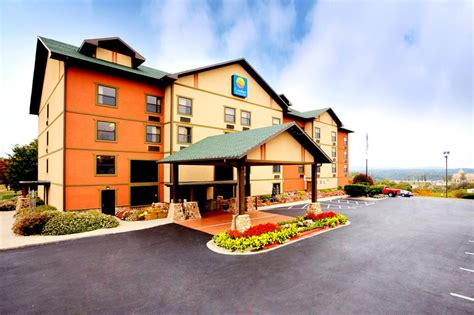branson mo comfort inn and suites comfort inn suites branson mo call 1 800 504