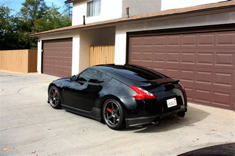 black nissan sports car black nissan 370z sport cars
