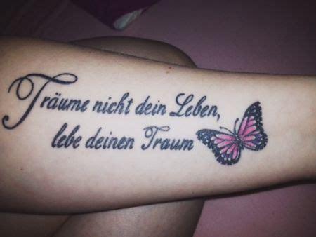 tattoo arm zum anziehen 220 ber 1 000 ideen zu tattoo spr 252 che lebensmotto auf