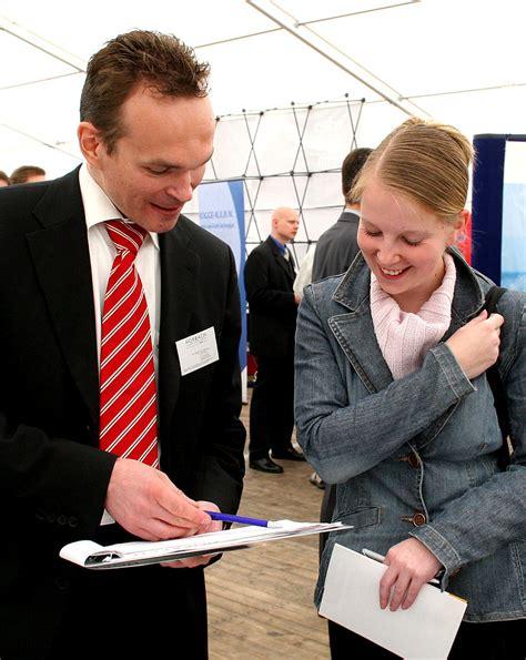 Bewerbungsunterlagen Cau Kiel Uni Kiel Firmenkontaktmesse Bringt Uni Absolventen Und