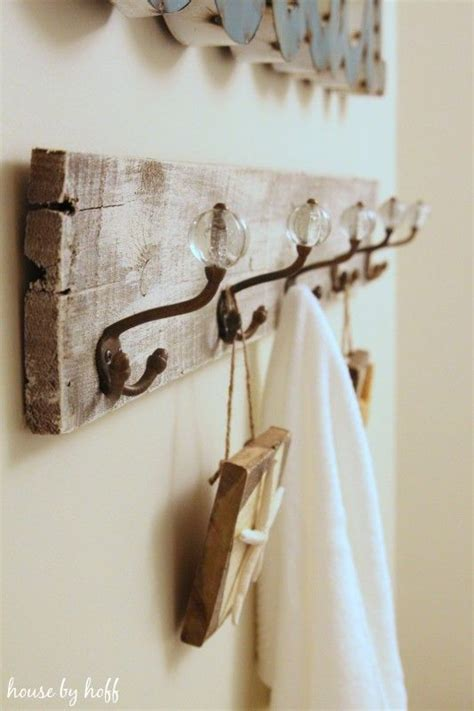 best 25 pallet towel rack ideas on