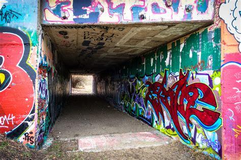 Berlin Wall Murals graffiti in berlin obersch 246 neweide urbanpresents