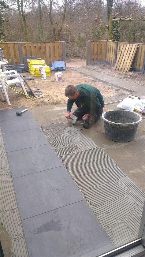 hoe krijg je cement van tegels bomen rooien keramische buitentegels leggen
