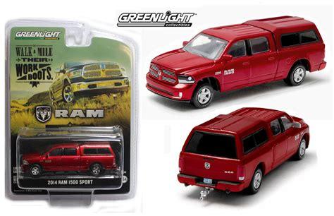 dodge toys 1 64 greenlight 2014 dodge ram 1500 truck w topper
