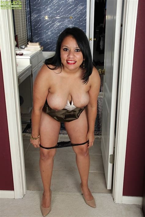 Bbw Latin Milf Lucey Perez Spreading Her Pussy Pichunter