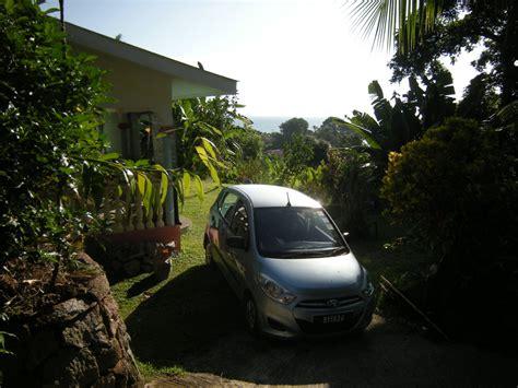 veranda vor dem haus ferienhaus monrev villa seychellen frau judith schuessler