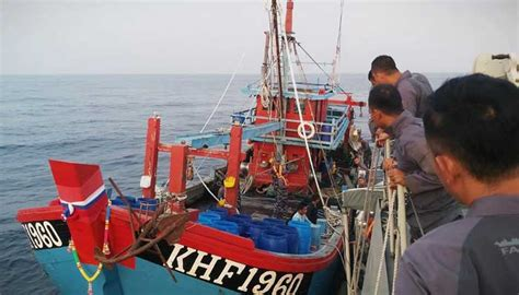 kri karambit  tangkap kapal asing pencuri ikan