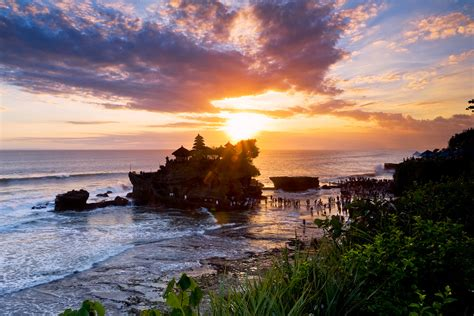 magnificent sea temples  bali  legends  alive