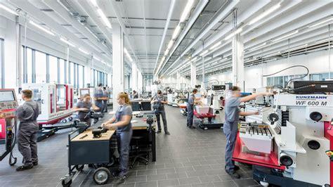 porsche ausbildungszentrum zuffenhausen autohaus de