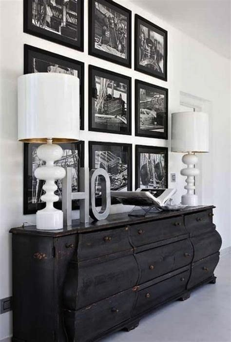 gallery wall ideas   size frames shelterness