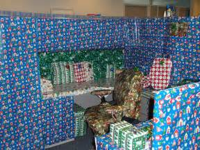 Funny Christmas Cubicle Decorating Ideas Christmas Pranks 171 Lol Pranks Com