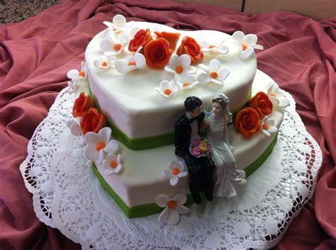 Hochzeitstorte Herz by Hochzeitstorten Konditorei Und Cafe Maa 223