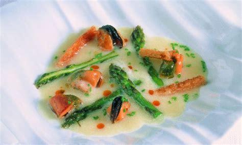 imagenes de esparragos verdes receta de sopa de esp 225 rragos blancos con mejillones de